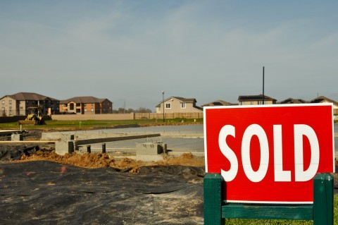 The Advantages of Buying Vacant Land, SFGate